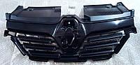 Решетка радиатора Renault Sandero 2 с 2017 года (оригинал)