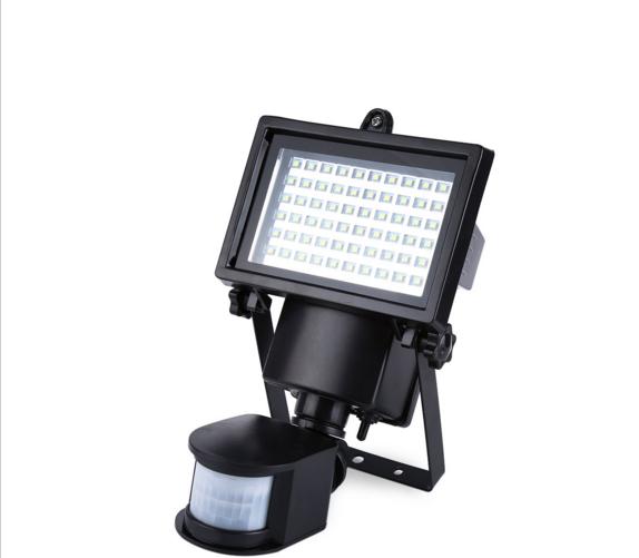 Светодиодный прожектор 10Вт cолн.бат.+ д/движ. фонарь лед