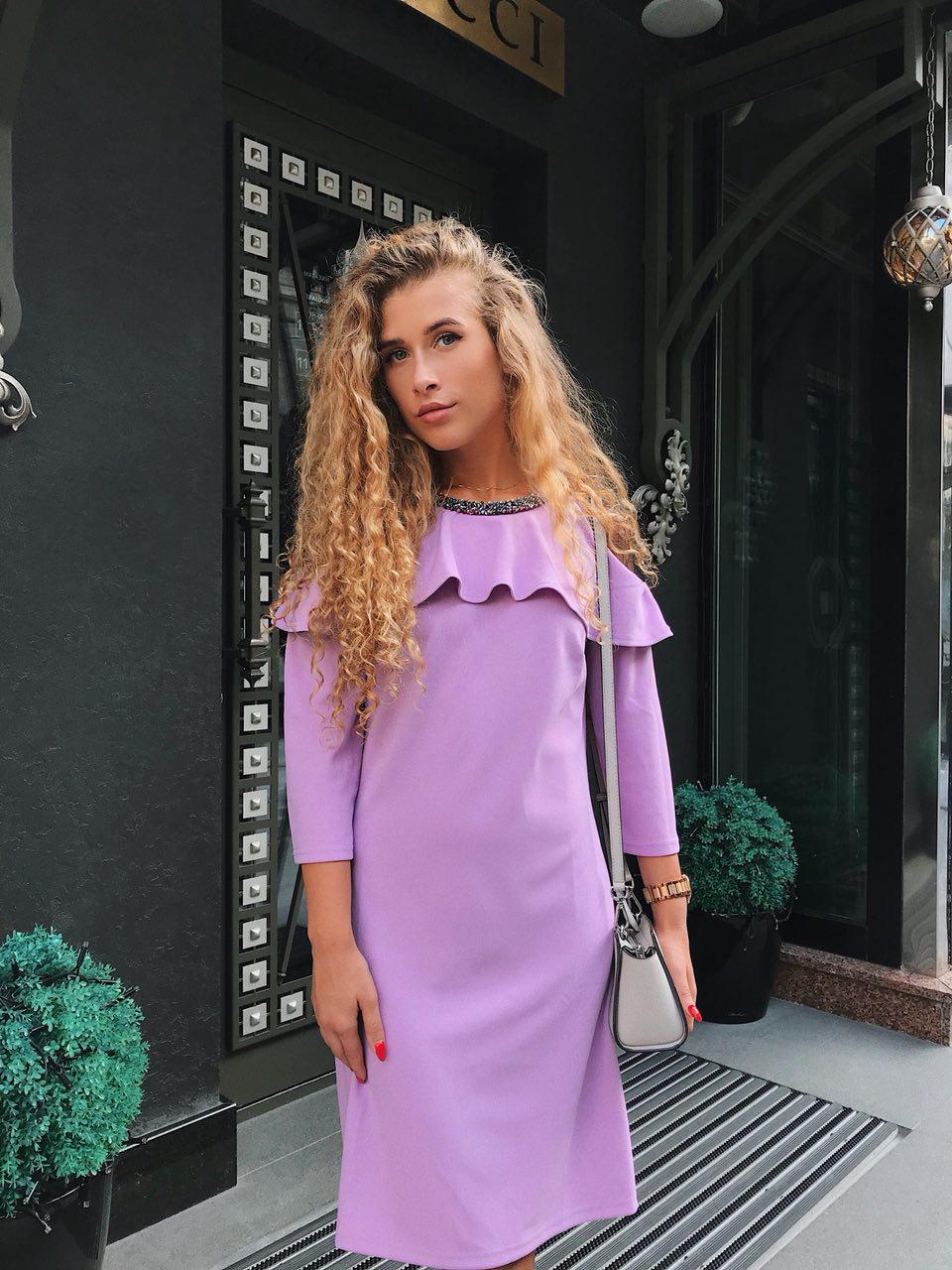 107c1ceaedd30ec Красивое недорогое платье с украшением на праздник на работу фиолетового  цвета