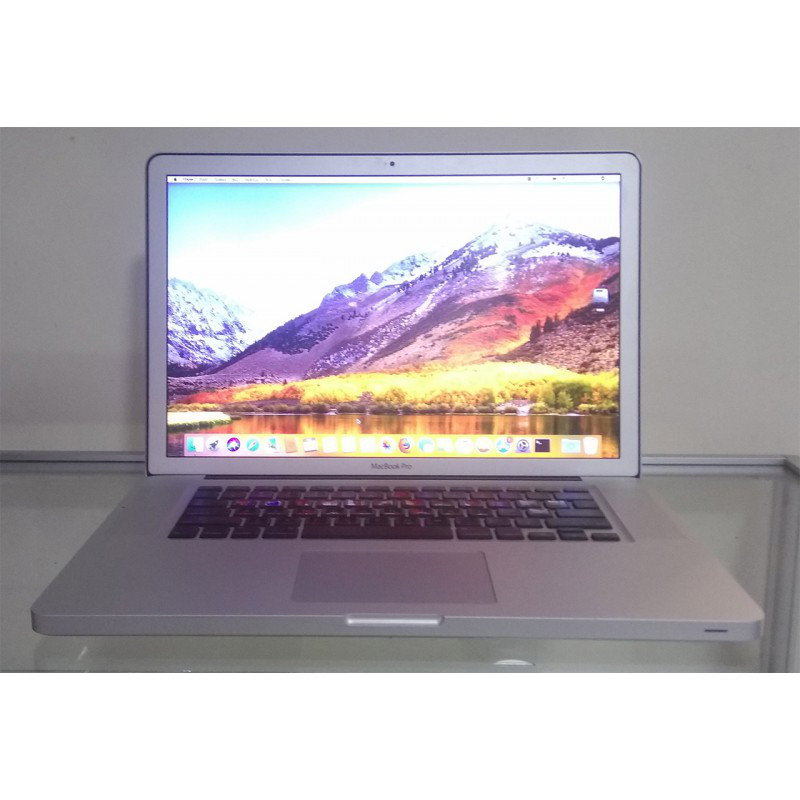 Ноутбук б/у Apple Macbook Pro Intel Core i7 / 8Gb / SSD 256Gb