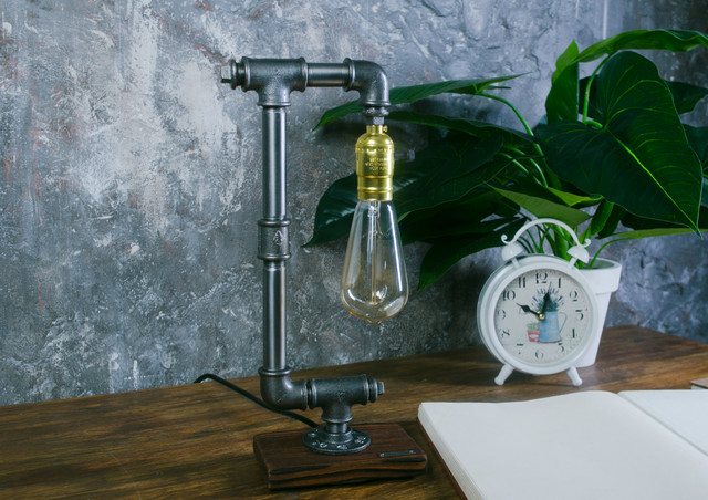 Настольная лампа  стиле лофт T_18