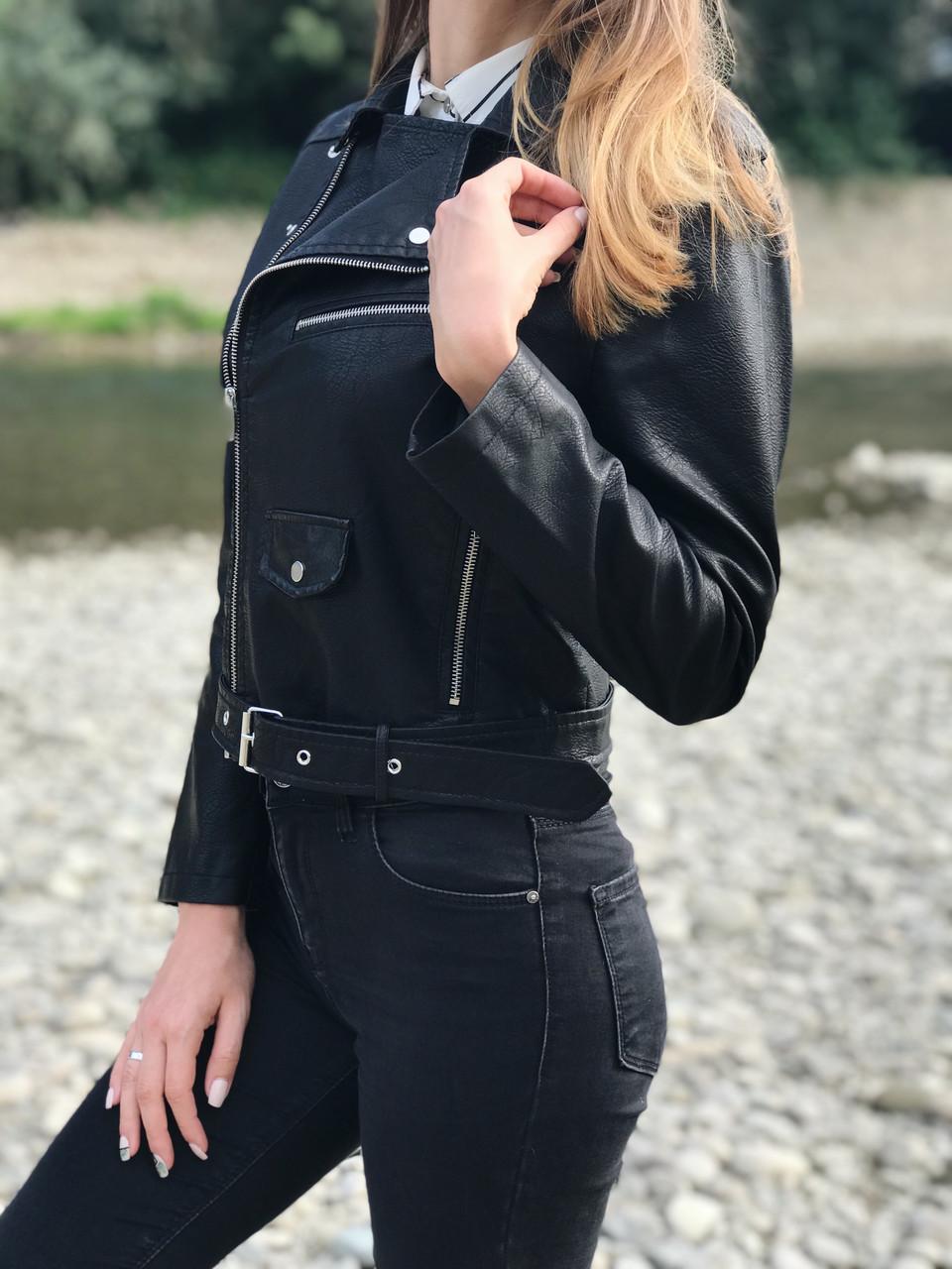 Жіноча шкіряна куртка-косуха
