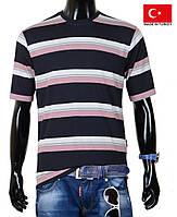 Яркая мужская футболка