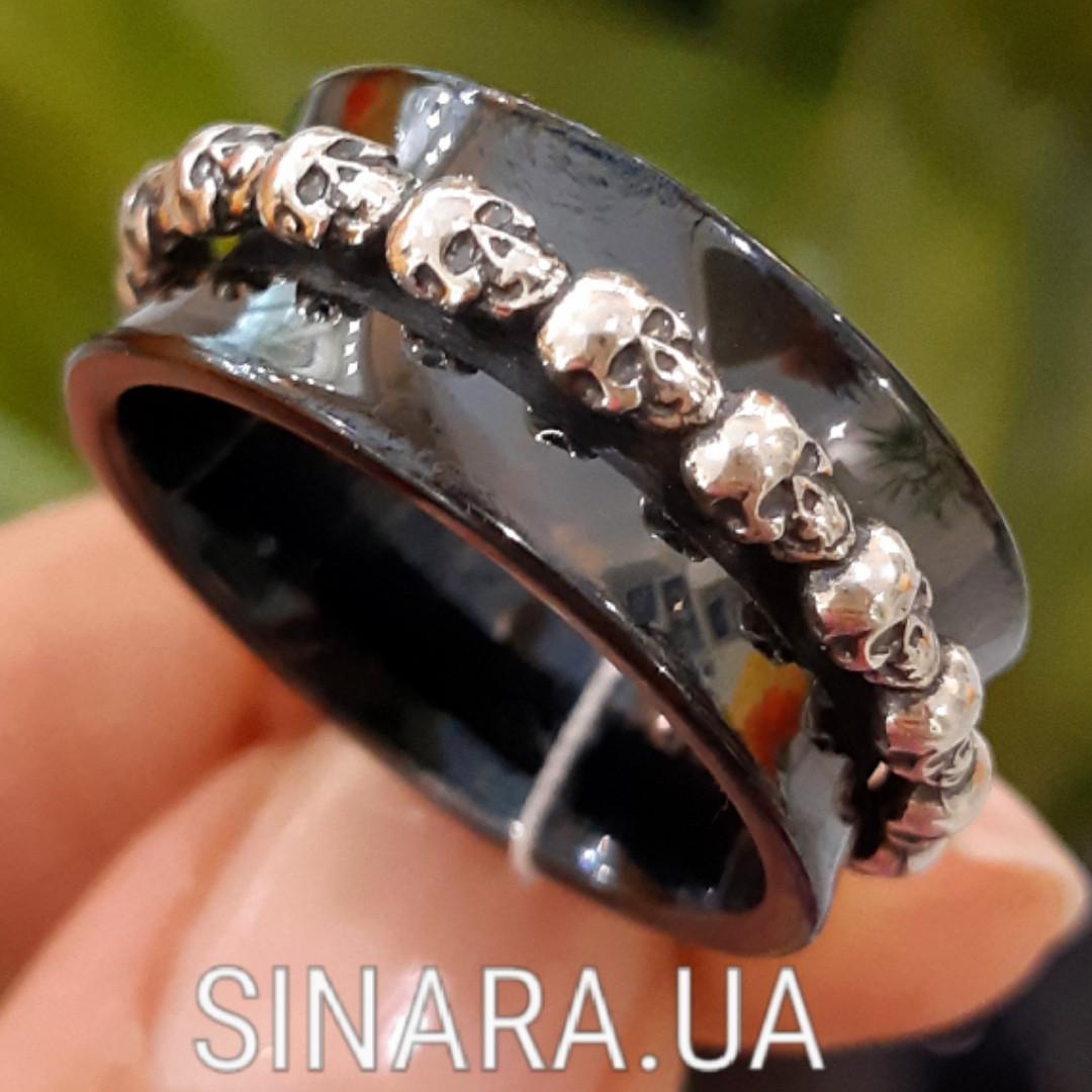 Серебряное кольцо с керамикой и черепами - Кольцо с черепами серебро