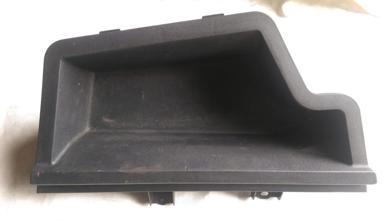 Ящик под инструмент левый Toyota Avensis T250 2003-2008 6474205010