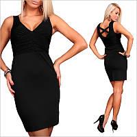 Черное платье с оригинальной спинкой