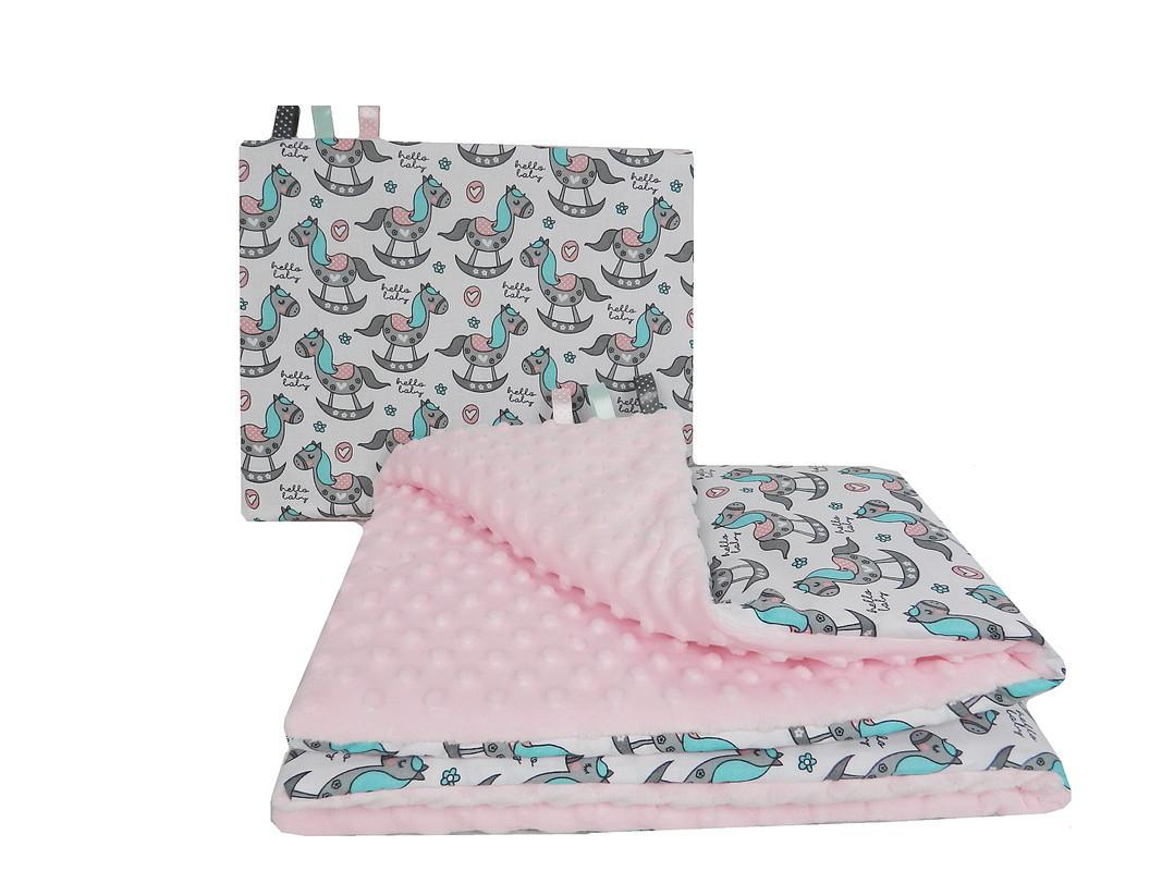 """Постельное белье в детскую колыбель, три предмета (одеяло, подушка, простынь) """"Лошадки"""" на розовом плюше"""