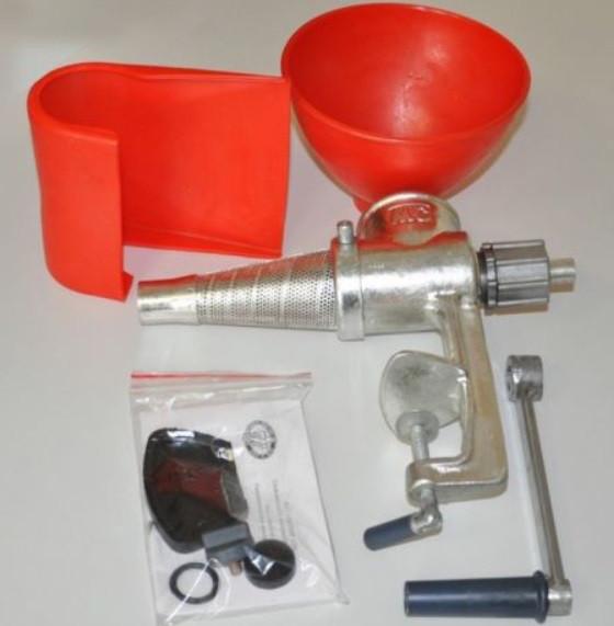 Ручная соковыжималка Мотор Сич СБЧ-1 (чугунная)