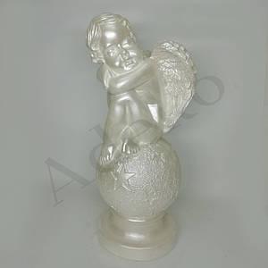 Садовая скульптура Ангел на шаре звезда  36 см