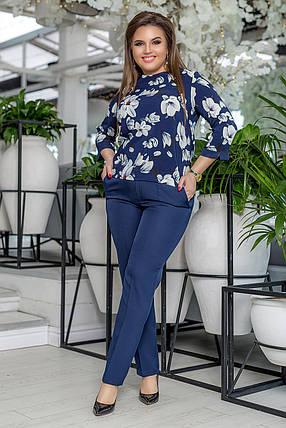 """Брючный женский костюм """"Taner"""" с блузой в цветочек (большие размеры), фото 2"""
