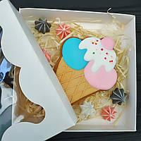 Коробка для пряника 155*155*30 мелований картон, кришка-дно з вікном (плівка ПВХ), фото 1