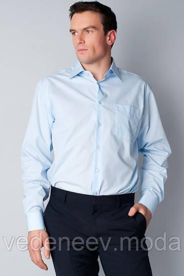 Классическая мужская рубашка светло-голубого цвета