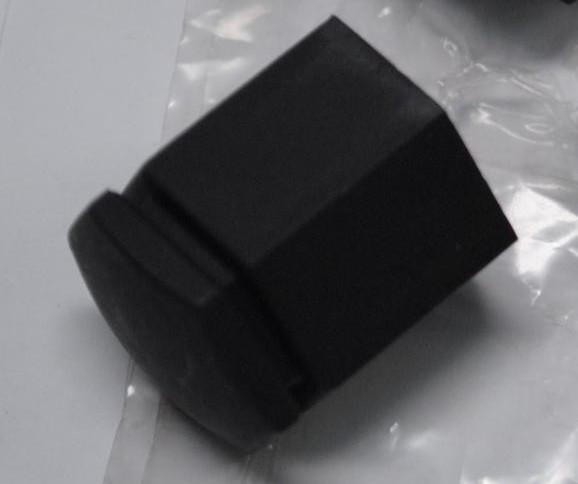 Колпачок колёсной гайки чёрный L=27 mm GM 39025602 OPEL Astra-J/K Zafira-C
