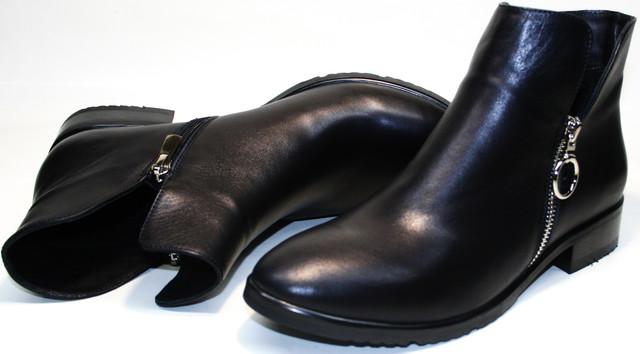Ботинки ботильоны Jina collection 6621  шьют в классическом дизайне из высокосортной кожи.