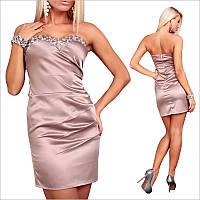 Бежевое платье с камнями
