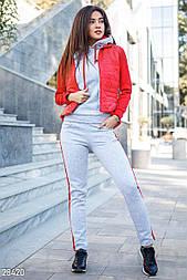 Серый спортивный костюм с красными вставками