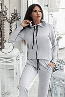 Удобный серый спортивный костюм с полосками из люрекса