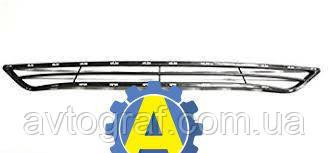 Решетка в бампер передний на Хьюндай Соната (Hyundai Sonata)2010-2014