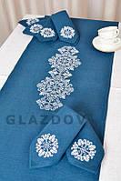 Льняной набор салфеток и скатерти с вышивкой орнамента крестиком