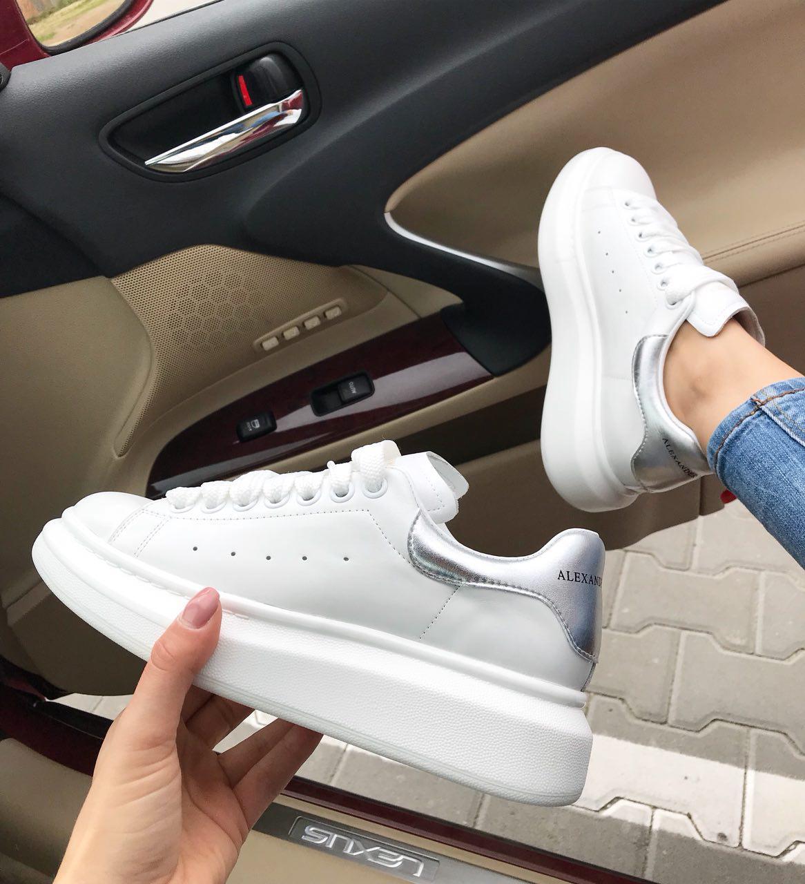 Женские кроссовки белые кожаные Alexander Mcqueen