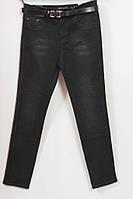 Темно серые джинсы с поясом, батал