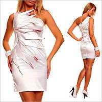 Вечернее белое платье.