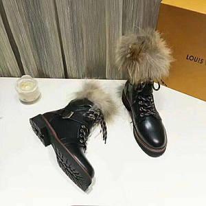 Ботинки зимние женскиеLouis Vuitton.Кожа/Цвет черный