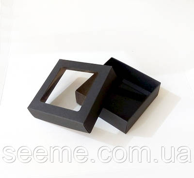 Коробка з віконцем 90x90x30 мм.