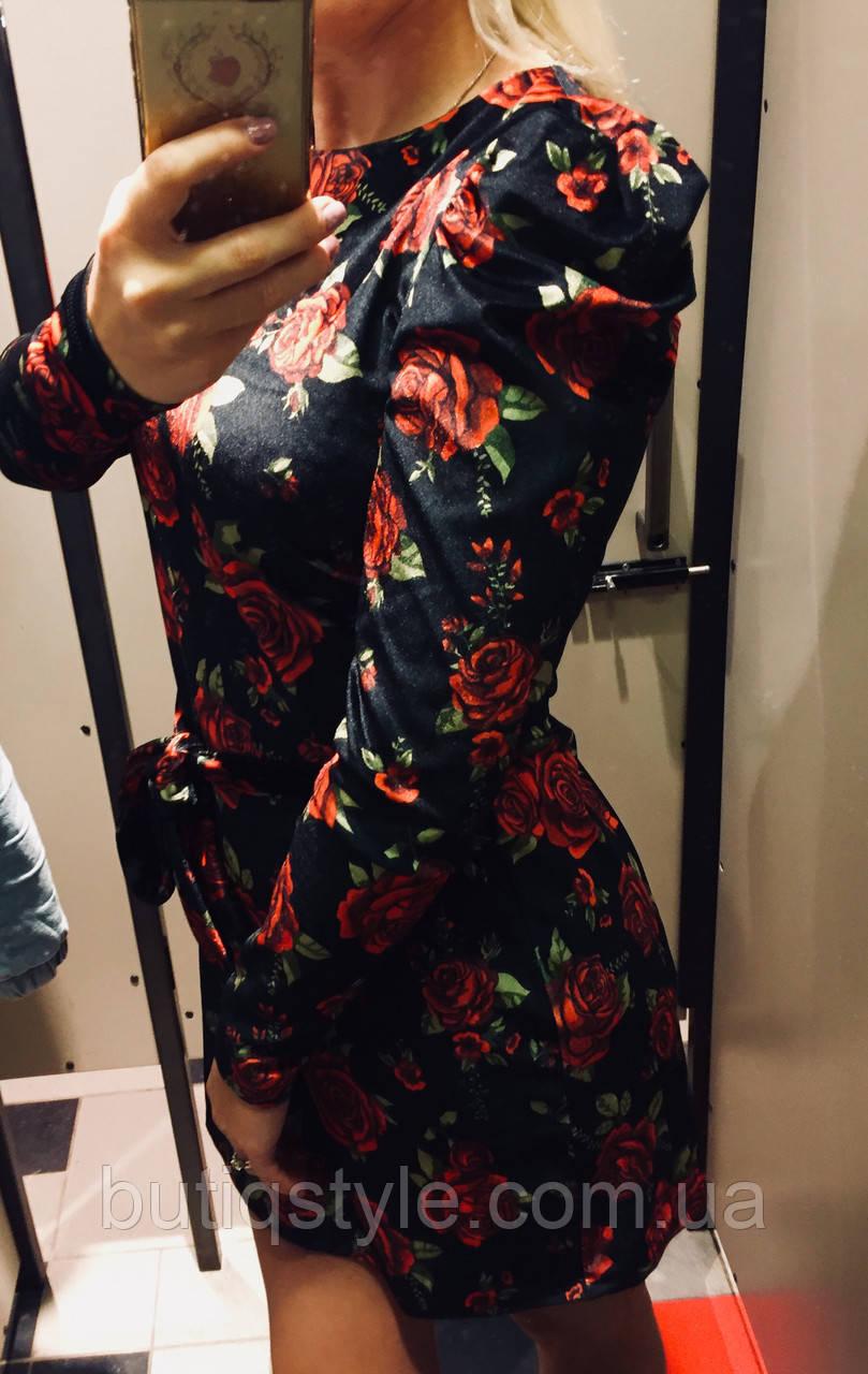 Красивое женское бархатное платье розы с поясом