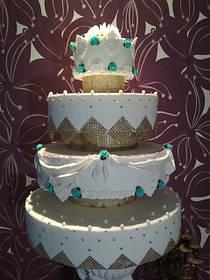 Бутафорські торти---- під замовлення