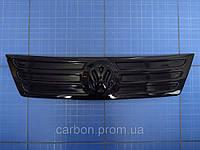 Зимняя заглушка решётки радиатора Volkswagen Caddy верх 2004-2010 глянец Fly. Утеплитель Фольксваген