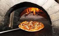 Кусочек Италии в ресторане: как выбрать печи для пиццы на дровах?