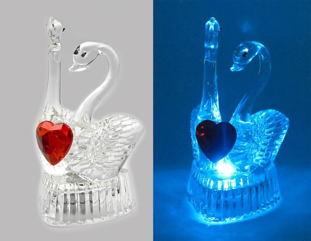Лебеді з сердечком кришталеві з підсвічуванням (9х5х5,5 см)