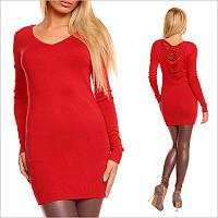 Красная туника - платье с V - образным вырезом.