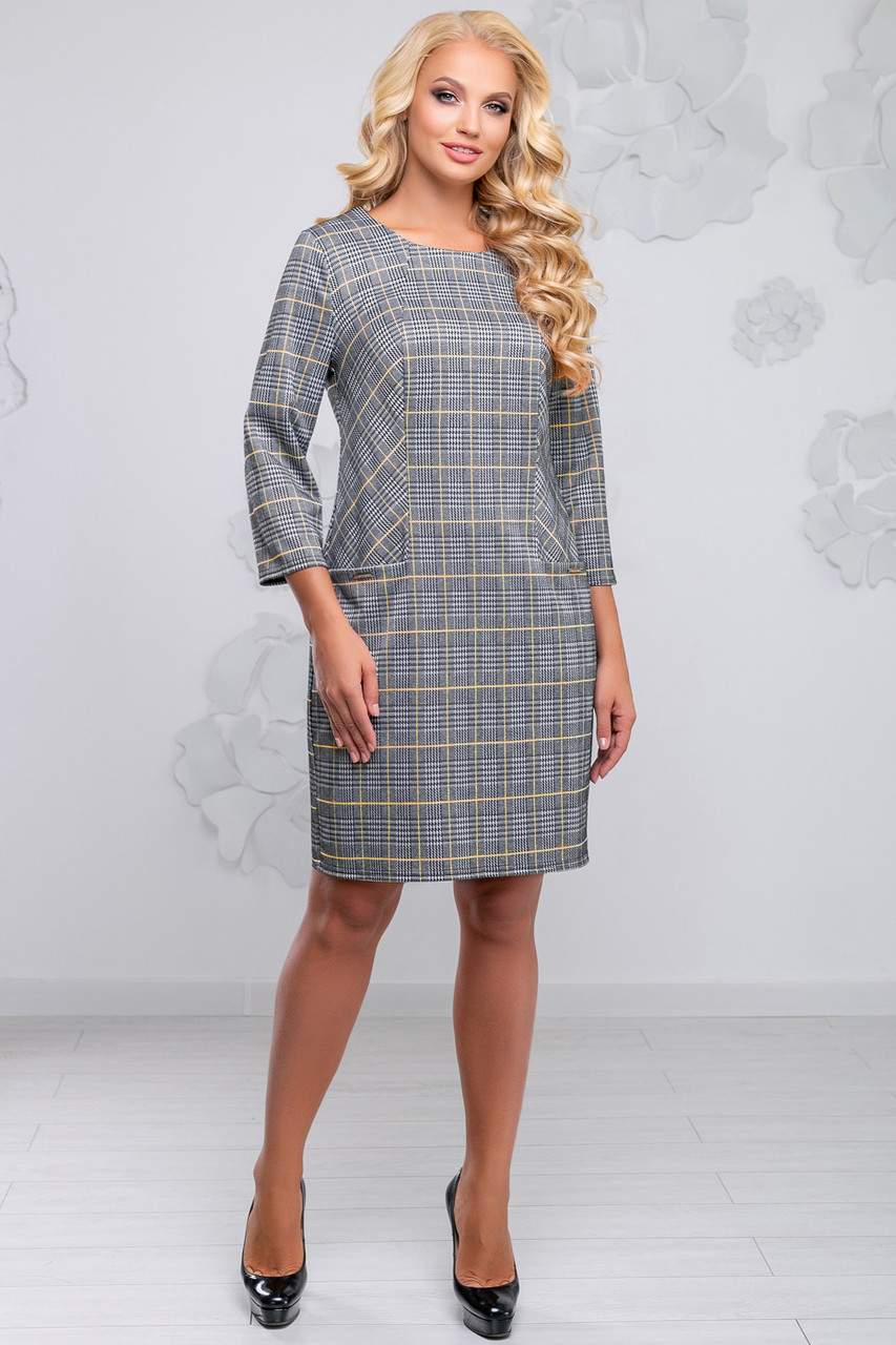 ae9567634701d32 Женское серое платье в клетку, полуприлегающее, костюмка, размеры 50, 52, 54