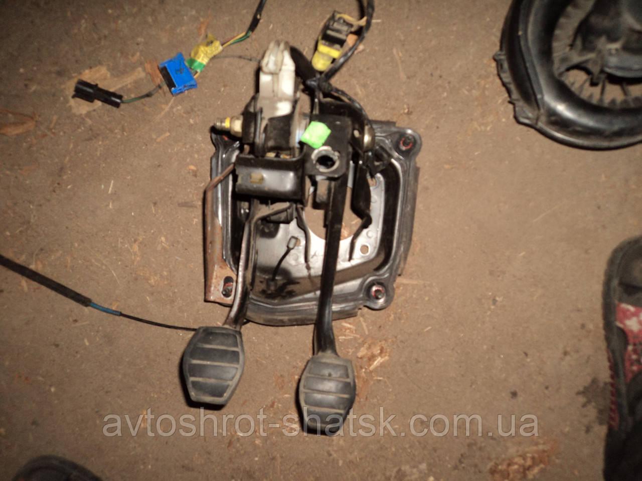 Педаль сцепления для Renault Megane 1