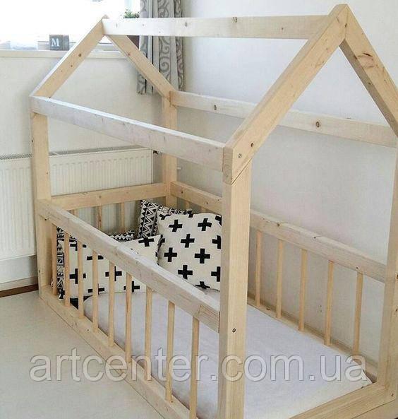 Кроватка домик из натурального дерева