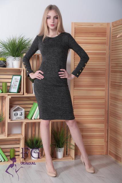 Демисезонное платье средней длины приталенное ангора длинные рукава с пуговицами черное