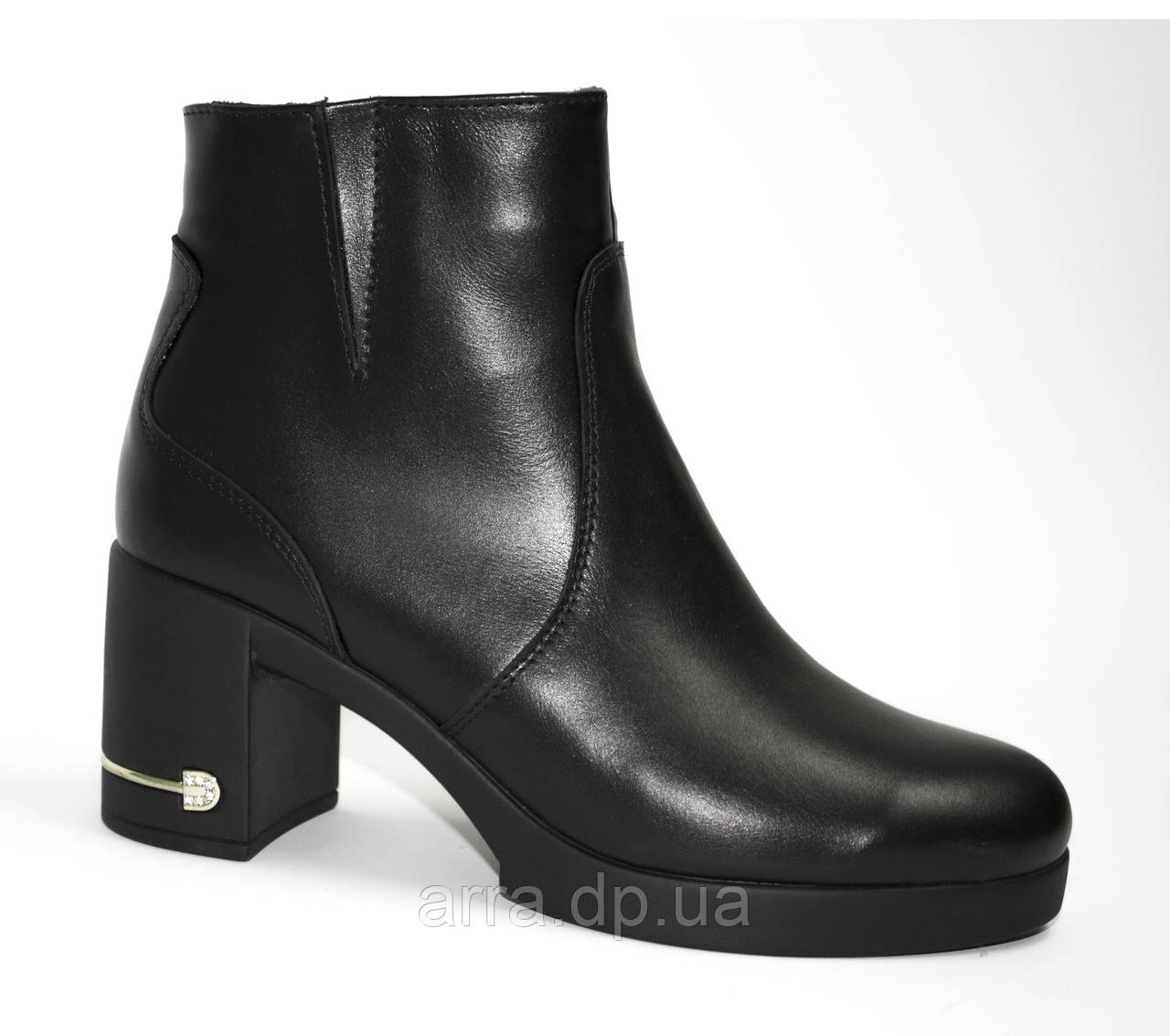 Короткие ботиночки на каблучке
