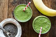 Зеленый смузи из киви и банана
