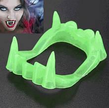Зубы вампира для детей, салатовые - размер 5*4см, пластик