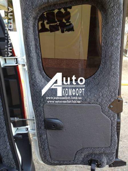 Заднее стекло (распашонка правая) без электрообогрева на автомобиль Renault Kangoo 08- (Рено Кангу)