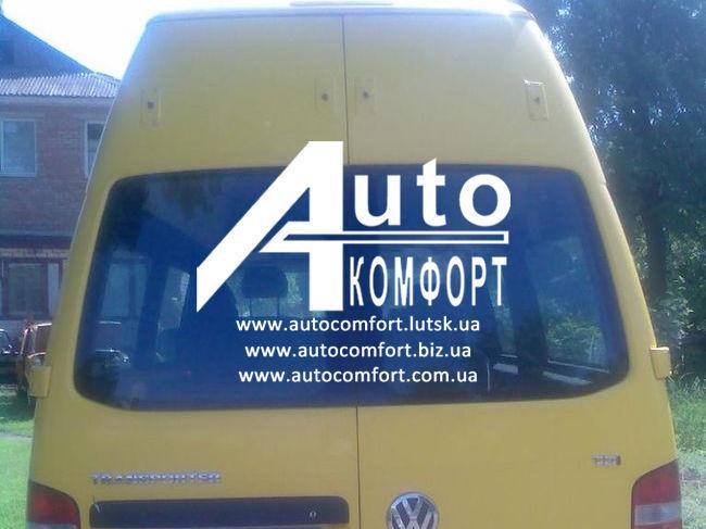 Заднее стекло высокое (распашонка левая) без электрообогрева на Volkswagen Transporter Т-5 (Фольксваген T-5)