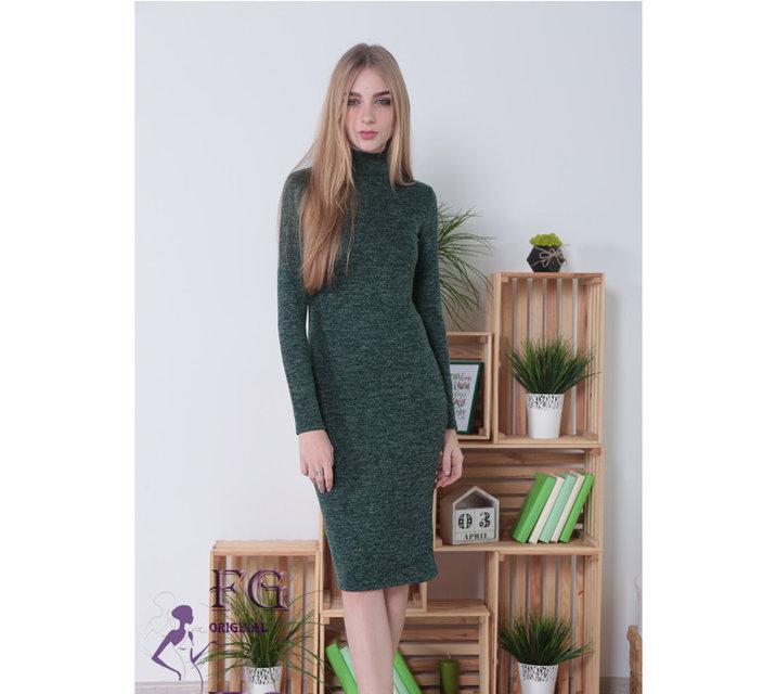 Модное платье гольф миди по фигуре из ангоры темно зелёное