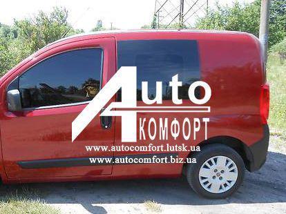 Передний салон, левое стекло на Fiat Fiorino, Citroёn Nemo, Peugeot Bipper