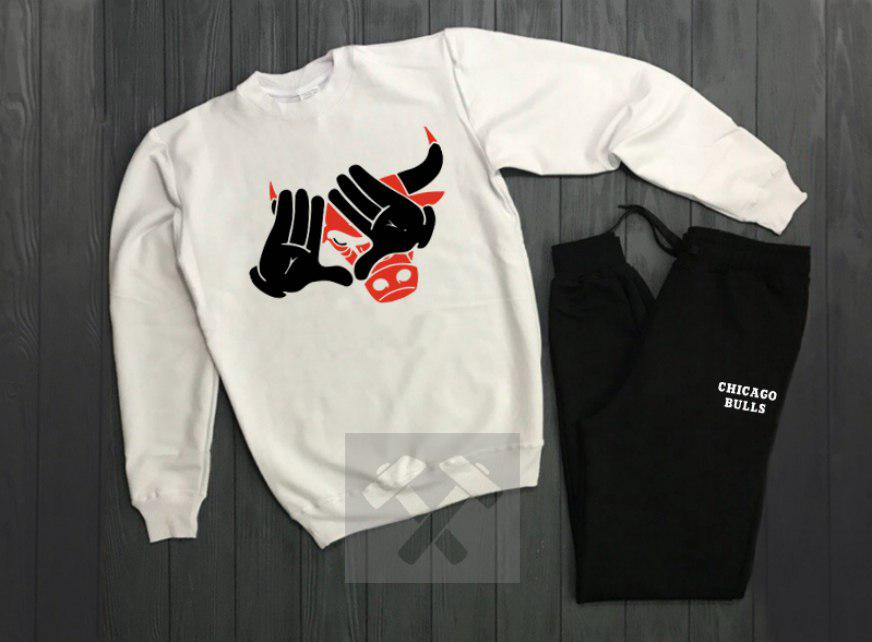 Спортивный костюм без молнии Chicago бело-черный топ реплика