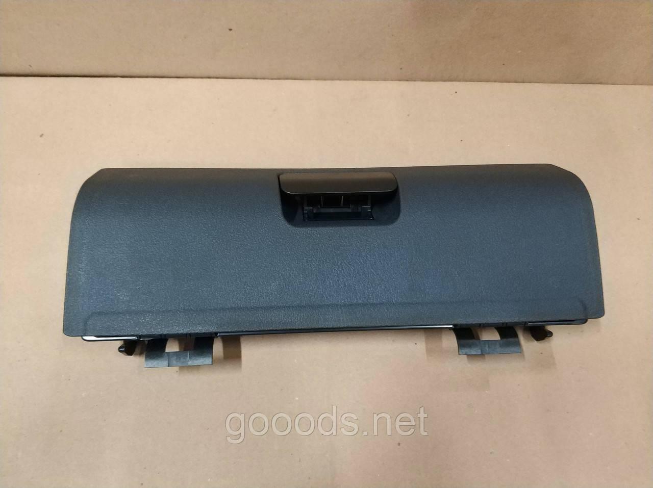 Крышка бардачка Volkswagen Caddy (04-10)