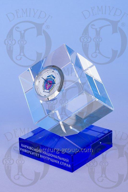 """Эксклюзивный подарок """"Часы в кубе"""""""