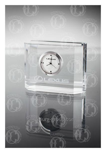 Часы корпоративные в стеклянной визитнице настольной
