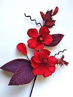 Ветка новогодняя с красная цветами